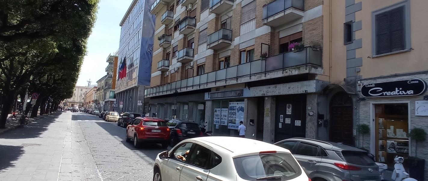 Caserta, Piazza vanvitelli